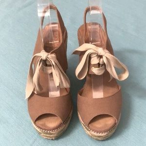 Tory Burch Brown Canvas Wedges Sz 6